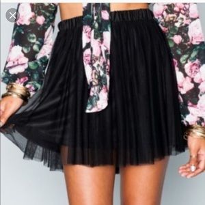 SHOW ME YOUR MUMU | sz S Black Carrie tulle Skirt
